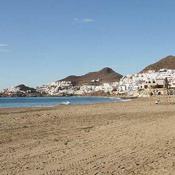 ¡Chollo viajero! 6 noches de hotel para 2 en Cabo de Gata por 292€